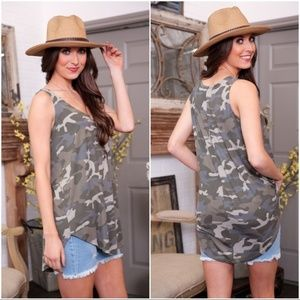 Sleeveless Round Neck Camo Tank